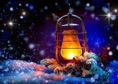 Горение свечей, их свет и тепло принесут в дом счастье и удачу (Фото: Subbotina Anna, Shutterstock)