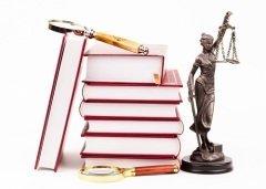 Адвокатура призвана защищать права и представлять законные интересы граждан (Фото: Mariusz Szczygiel, Shutterstock)