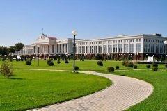 Здание Сената в Ташкенте (Фото: Eduard Kim, Shutterstock)