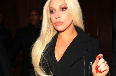 Леди Гага Фото: REX