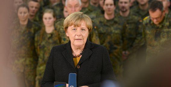 Меркель не хочет бороться с ИГИЛ