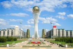 Монумент «Астана-Байтерек» — символ и главная достопримечательность столицы Казахстана (Фото: Tropinina Olga, Shutterstock)