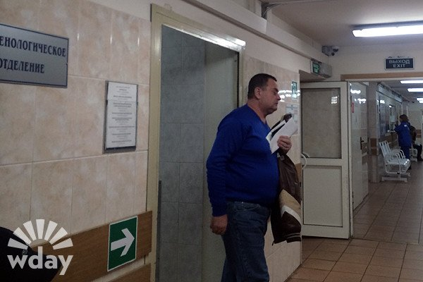 Фото: Ольга Родина, Владимир Фриске снимает побои после конфликта
