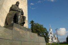 Памятник Александру Невскому во Владимире (Фото: Andy38, Shutterstock)