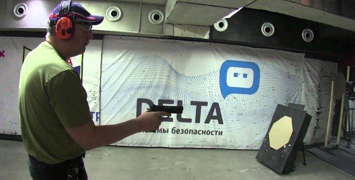 Рогозин продемонстрировал виртуозное владение пистолетами. ВИДЕО