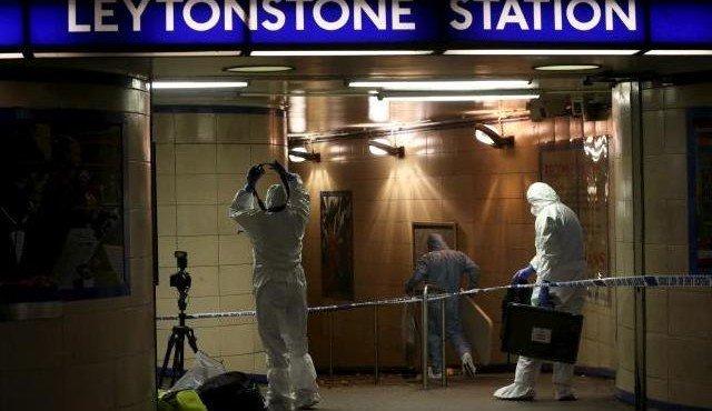 sirijskij-terrorist-igil-ustroil-reznyu-v-londonskom-metro
