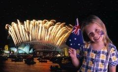 Празднование знаменуют многочисленные фейерверки (Фото: Tony Bowler, Shutterstock)