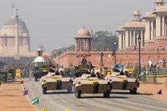 Парад войск проходит на главных площадях городов (Фото: JeremyRichards, Shutterstock)