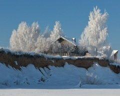 Вся природа все еще пребывает в ледяном сне... (Фото: Vadim Petrakov, Shutterstock)