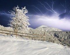 Громница — единственный день зимой, когда может приключиться гроза (Фото: Creative Travel Projects, Shutterstock)