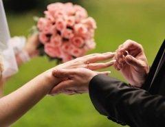 По некоторым данным, история брачных агентств насчитывает более 360 лет! (Фото: irbis picture, Shutterstock)