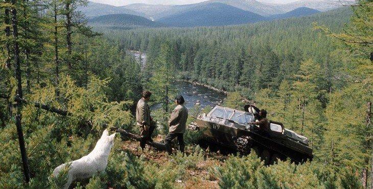 1975 Изыскатели на строительстве трассы БАМа в Иркутской области. РИА Новости.jpg
