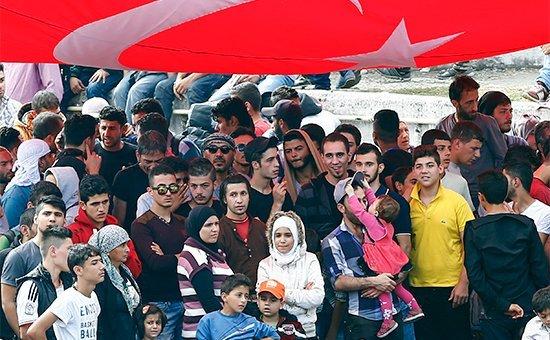 Турция снова требует денег