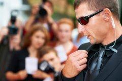 К празднующим сегодня могут присоединиться и телохранители (Фото: Yuri Arcurs, Shutterstock)
