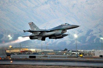 разбился F-16