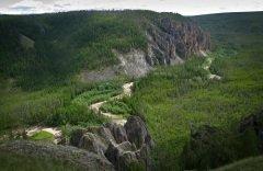 Ленские столбы — по природным критериям были внесены в список Всемирного наследия ЮНЕСКО 2 июля 2012 года (Фото: Tatiana Grozetskaya, Shutterstock)
