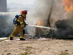 Одна из первых профессиональных пожарных команд была создана при Петре I (Фото: Orange Line Media, Shutterstock)