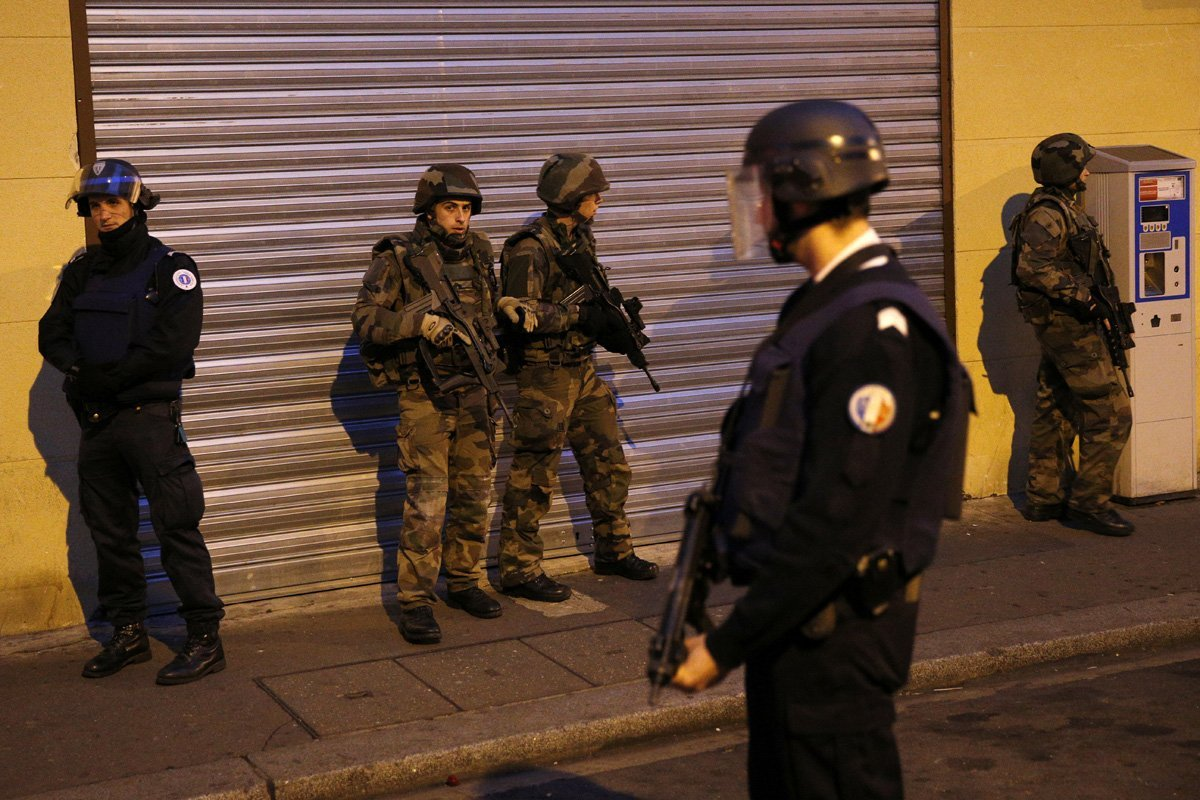 Французские спецслужбы знали онамеченных терактах встолице франции задолго досамого нападения