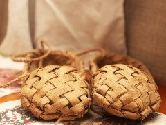 Для русалок готовили одежду (Фото: Natalia D., Shutterstock)