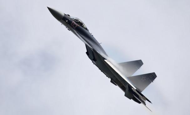 su-35-mozhet-ujti-ot-vypushchennoj-emu-v-khvost-rakety