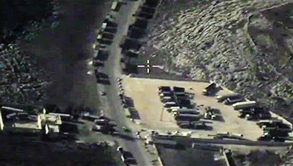 Уничтожение на территории Сирии объектов по добыче и переработке нефти террористов ИГ. Архивное фото