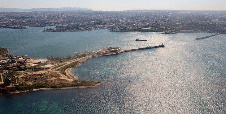 сделать Крым островом