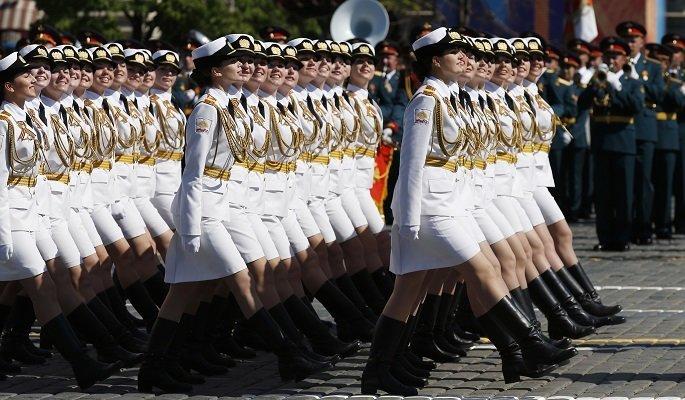 Армия мини юбок