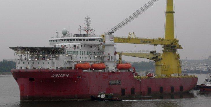 Россия обходит санкции с помощью судна ценой в 1 млрд долларов