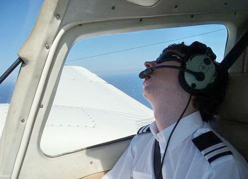 piloty-passazhirskogo-boeing-737-usnuli-v-nebe