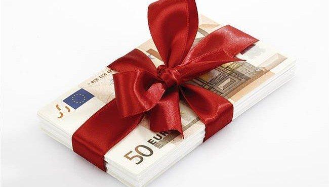 Что будет, если раздавать деньги даром?