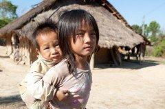 Число работающих детей в мире составляет 215 миллионов (Фото: Muellek Josef, Shutterstock)