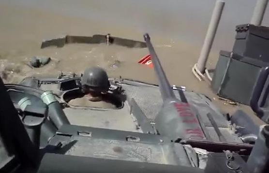 tank-amfibiya