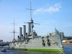 Легендарный крейсер «Аврора» (Фото: karnizz, Shutterstock)
