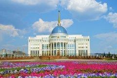 Президентский дворец Ак-Орда в Астане (Фото: Postnikova Kristina, Shutterstock)