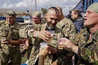 Украинские военные устроили пьяный бунт в одном из городов Донбасса