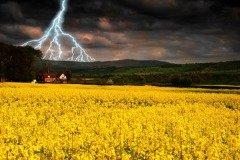 На Руси день Марины с Лазарем считался временем зарниц и молний (Фото: Christopher Elwell, Shutterstock)