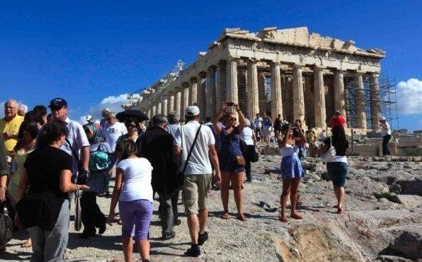 turisty-v-gretsii