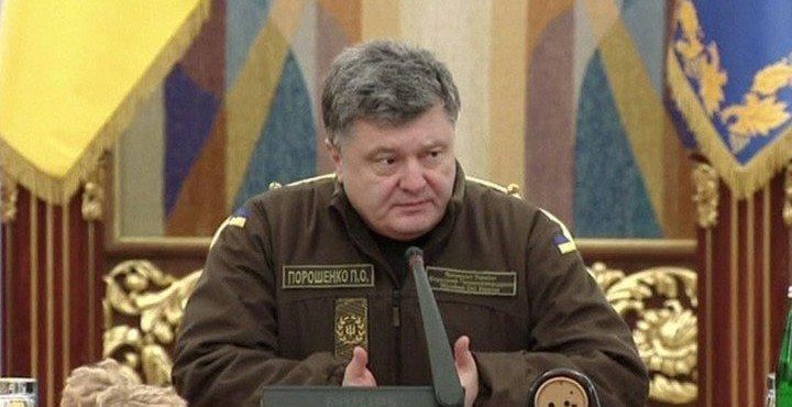 Порошенко выставил войска на границе с Крымом