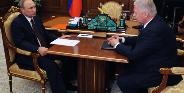 Путин одобрил введение приоритета зарплат перед другими выплатами