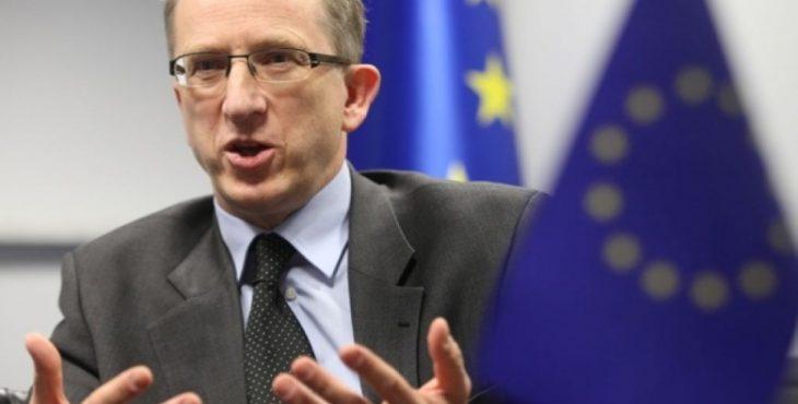 ЕС отговаривает Украину вводить антироссийские санкции