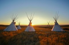 Одна из целей Десятилетия коренных народов мира - сосредоточить внимание на действиях в защиту прав коренных народов и в поддержку улучшения их положения (Фото: Sky Light Pictures, Shutterstock)