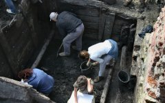 Археологи работают (Фото: thumb, Shutterstock)