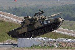 Танк «Т-80» на учениях