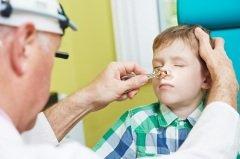 В нашей стране их называют ЛОР-врачами (Фото: Dmitry Kalinovsky, Shutterstock)
