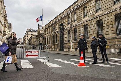 Французские власти усилят охрану резиденции Олланда из-за угрозы терактов