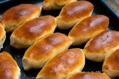 С брусникой получались вкусные пирожки (Фото: Irrinn0215, Shutterstock)