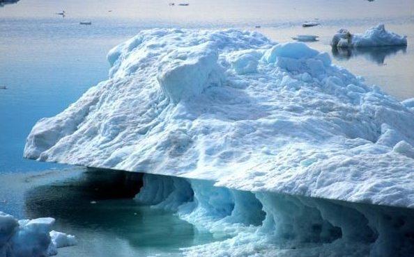 arkticheskie-ldy-stali-bystree-tayat