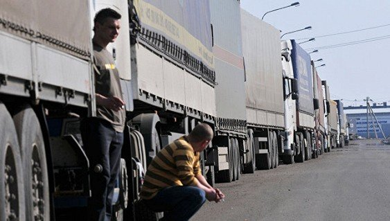 Украинцы требуют возобновить торговые отношения с Россией