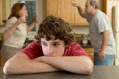 В семье также необходимо утвердить культуру мира, терпимости, понимания и ненасилия (Фото: ejwhite, Shutterstock)