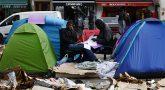 В Париже идёт очередная зачистка лагеря беженцев